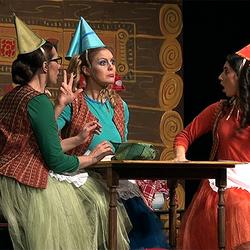 15536914272099 ivana kovaevi  jasmina stoiljkovi i tamara tomanovi u predstavi uspavana lepotica   foto kim